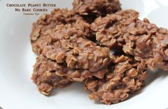 Delicious and oh so easy to make! These Chocolate Peanut Butter No-Bake Cookies taste amazing! The perfect combination of chocolate, oats, and peanut butter Chocolate Oat Cookies, Chocolate Oats, Chocolate Peanut Butter, Chocolate Hazelnut, Oatmeal Cookies, Köstliche Desserts, Delicious Desserts, Dessert Recipes, Yummy Food
