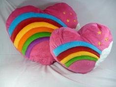 Bantal Love Rainbow Jumbo dan L.