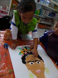 """""""Para mi esta imagen conlleva la reflexión de que: No se trata de dar clases de arte. Lo que interesa es desarrollar las capacidades artísticas: belleza, expresión, creatividad, para promover el desarrollo personal. Imaginar, fantasear, divagar, soñar, invitar, crear, recrear es esencial al proceso educativo… """" Herbert Read"""