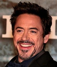 Robert Downey Jr.  Just what is it about this man that makes me go weak..... sigh...