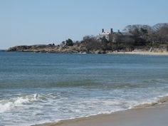 Singing Beach, Manchester, MA - the sand 'sings' when you walk on it. i love this beach-used to go with my mom!!!!