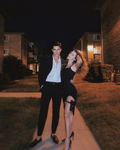 Couples Halloween Outfits, Cute Couple Halloween Costumes, Trendy Halloween, Couple Outfits, Costumes For Couples, Couple Costume Ideas, Hot Couple Costumes, Celebrity Halloween Costumes, Halloween Dress