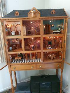 Old Dressers, Dollhouse Miniatures, Dollhouse Ideas, Liquor Cabinet, Storage, Crafts, Furniture, Home Decor, Antique Cabinets