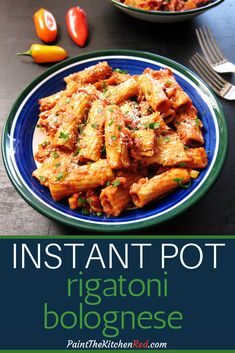 Instant Pot Vegetarian Pasta – Rigatoni Bolognese – is a healthy, filling pasta recipe with tomatoes, mushrooms, and even more vegetables. The pasta and sauce are cooked together making it a delicious one-pot meal. Finish with mascarpone cheese Healthy Pasta Recipes, Healthy Pastas, Vegetarian Recipes, Weeknight Recipes, Savoury Recipes, Instant Pot Pasta Recipe, Best Instant Pot Recipe, Instant Pot Pressure Cooker, Pressure Cooker Recipes
