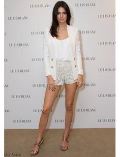 Kendall Jenner : look sobre et élégant
