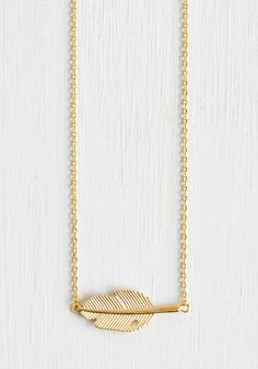Nature's Touch Necklace. Let the beauty of the outdoors influence your lovely style by topping your look off with this leaf necklace. #gold #modcloth
