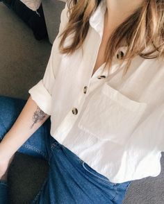 2fb7defe8501 White shirt & jeans, the perfect sunny day outfit ☀ Link in my stories