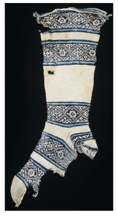 medieval Egyptian cotton sock, with indigo dyed patterns. I made a pair of these - when i was nearly done with the second sock i lost them :-(