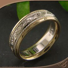 ANTIQUE 2-TONE ENGRAVED BAND great rings at this site but a little out of my budget