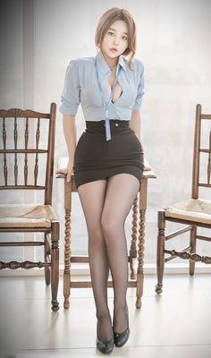 Asian Cute, Cute Asian Girls, Beautiful Asian Women, Beautiful Legs, Asian Doll, Great Legs, Just Girl Things, Asian Fashion, Sexy Outfits