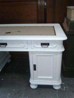 dettaglio scrivania, restauro, desk, love white, country french, wooden furniture, antique, white furniture, Alterazioni Viniliche