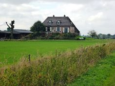 File:Ooijpolder, terpboerderij De Plak, Ooij.JPG