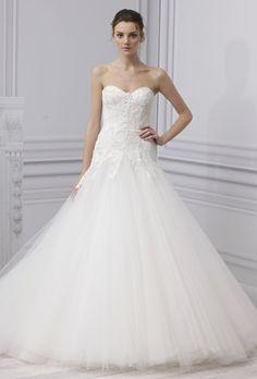 La colección Monique Lhuillier Primavera 2013  responsable del vestido de novia de tantas celebridades, ha creado una nueva colección deliciosamente diversa y hermosa de los espumosos vestidos de novia blanco con un montón de encajes, montones de tules, puntillas finas y detalles femeninos.