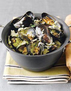 Moules à la Marinière. I love me some mussels.