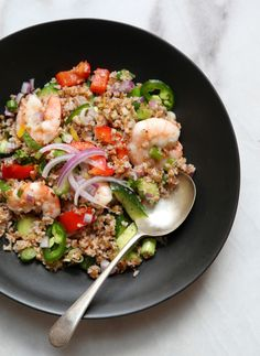 Bulgur and Shrimp Salad. A healthy shrimp and bulgur salad with chopped crunchy raw vegetables and a cumin vinaigrette Clean Eating, Healthy Eating, Raw Vegetables, Shrimp Salad, Healthy Salad Recipes, Soup And Salad, Food For Thought, Broccoli, Good Food