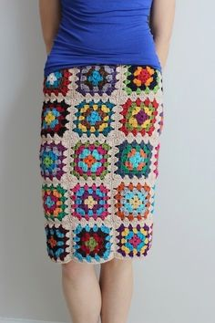 Granny Square Skirt ~ this alone is the perfect reason to learn how to crochet granny squares! Moda Crochet, Diy Crochet, Crochet Crafts, Crochet Projects, Crochet Top, Unique Crochet, Crochet Summer, Granny Square Crochet Pattern, Crochet Squares