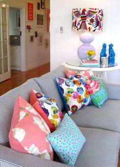 Look at how well these throw pillows and the lamp match!