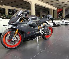 alxcesar:   Ducati Senna 1199 Panigale!!!... -