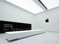 Look inside Apple's Hands-on Pavilion. Be Design, Display Design, Booth Design, Office Interior Design, Office Interiors, Retail Store Design, Commercial Interiors, Visual Merchandising, Pavilion