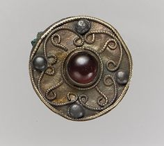 """ancientpeoples: """" Disc Brooch Century AD Frankish (Source: The Metropolitan Museum) """" Disc Brooch Century AD Frankish (Source: The Metropolitan Museum) Renaissance Jewelry, Medieval Jewelry, Viking Jewelry, Ancient Jewelry, Old Jewelry, Antique Jewelry, Vintage Jewelry, Wiccan Jewelry, Jewelery"""