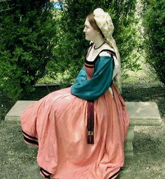 1515 Florentine gown by Jen Thompson of Festive Attyre