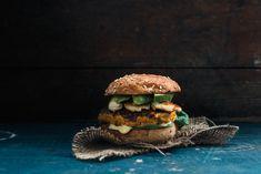 Veggie burger with sweet potatoes and halloumi © Rowan Tree Photography | www.rowantree.se