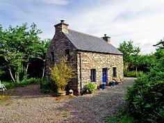 Detached Stone Cottage (136), Quiet And Secluded, In 1.6 Acres