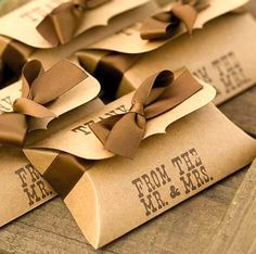 100 Kraft Pillow Favor Boxes/Wedding Mr and Mrs Guest