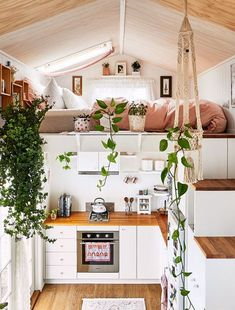Step aside Marie Kondo, Dolly Rubiano is here to claim the minimal living crown, in her pocket-sized pad in regional Victoria. Step aside Marie Kondo, Dolly Rubiano is here to claim the minimal living crown, in her pocket-sized pad in regional Victoria. Best Tiny House, Cute House, Tiny House Plans, Tiny House On Wheels, Tiny House Trailer, Minimal Living, The Design Files, Tiny House Living, Small Living