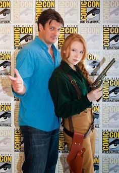 Molly Quinn dressed up as Mal Reynolds.with Mal Reynolds. Castle's Nathan Fillion and his TV daughter Molly Quinn CosPlaying Nathan's character Mal from Firefly => TOO EPIC! Molly Quinn, Nathan Fillion, Glee, Gossip Girl, Nerd Love, My Love, Firefly Serenity, Thats The Way, Geek Out