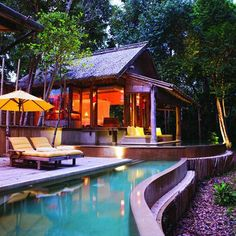 pool & guest house