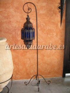pie de forja para lámparas y faroles | Artesanía árabe y decoración marroquí