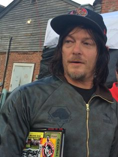 2nd piece of #holycraphelooksfreakinggorgeous evidence RT@Andwf3 Happy to see one of my faves tonight @wwwbigbaldhead