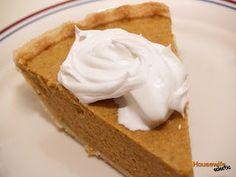 Chiffon Pie- Best pumpkin pie ever Pumpkin Chiffon Pie- Best Pumpkin Pie Ever!Pumpkin Chiffon Pie- Best Pumpkin Pie Ever! Just Desserts, Delicious Desserts, Dessert Recipes, Yummy Food, Pie Recipes, Best Pumpkin Pie, Pumpkin Recipes, Pumpkin Pies, Sweets