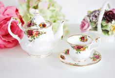 Royal Albert Old Country Roses Miniature by treasuresfromtheuk