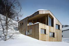 House by OOS AG / Feldis/Veulden (GR) / Switzerland / Andreas Derrer, Manuel Schudel / Area: 222.0 sqm // http://www.oos.com/projekte/#/103