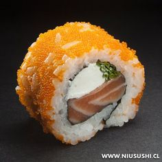 California cheese. Sushi Sauce, Japanese Food Sushi, Spicy Tuna Roll, My Sushi, Sushi Party, Taiwanese Cuisine, Taiwan Food, Happy Foods, Slow Food