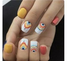 Looking for easy nail art ideas for short nails? Look no further here are are quick and easy nail art ideas for short nails. Cute Gel Nails, Pretty Nails, Spring Nails, Summer Nails, Fall Nails, Spring Nail Art, Nail Design Gold, Coral Nails With Design, Hair And Nails