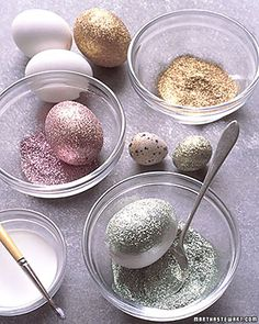 Enrole o ovo no glitter