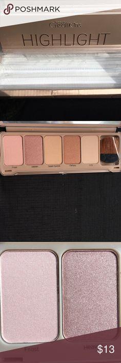 Beauty Creations make up highlighter Beauty creations Highlighter 5 color make up palette with brush. Makeup Luminizer