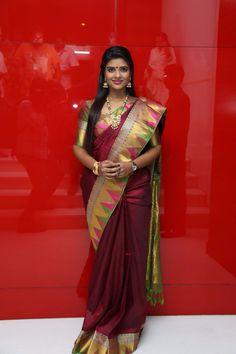 Beautiful Saree, Beautiful Indian Actress, India Fashion, Asian Fashion, Indian Dresses, Indian Outfits, Silk Saree Blouse Designs, Silk Sarees, Saris