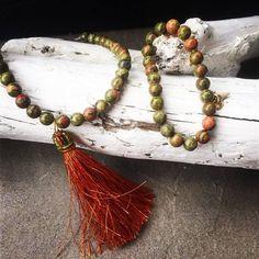 © UN JE NE SAIS QUOI www.unjenesaisquoi.ch Artisanal, Tassel Necklace, Jewellery, Fashion, Handcrafted Jewelry, Moda, Jewels, Jewelry Shop, Fashion Styles