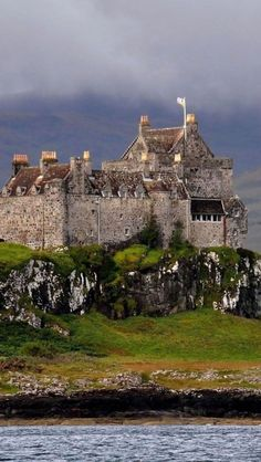 Duart Castle, Isle of Mull in Scotland. Duart Castle is the ancestral home of Clan Maclean. Discover more details about Duart Castle including opening times, photos and more. Scotland Castles, Scottish Castles, Beautiful Castles, Beautiful Places, Places To Travel, Places To See, Chateau Moyen Age, Château Fort, Palaces