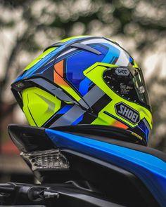 Yamaha Helmets, Shoei Helmets, Biker Helmets, Racing Helmets, Biker Gear, Smart Motorcycle Helmet, Custom Motorcycle Helmets, Bike Photoshoot, Riding Gear
