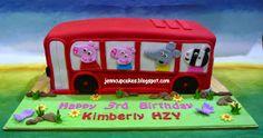 Jenn Cupcakes & Muffins: Peppa Pig Bus Cake