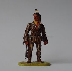 Vous   avez enregistré sur   La Saga Karl May 1    Hausser Elastolin Ref : 7538 Intschu-tschuna debout, père de Winnetou 1ère peinture