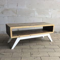 Modern Wood Furniture, Wood Furniture Legs, Pallet Furniture Designs, Deco Furniture, Handmade Furniture, Custom Furniture, Cool Furniture, Coffee Table Upcycle, Wood Crafts