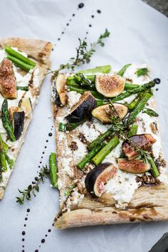 Roasted Asparagus and Fig Pizza