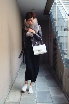 wardrobe と、喉カスカス Fashion Books, Love Fashion, Winter Fashion, Womens Fashion, Japanese Street Fashion, Korean Fashion, Outfits Otoño, Fashion Outfits, Casual Elegance