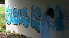 jesus-versus-satan-street-art-2